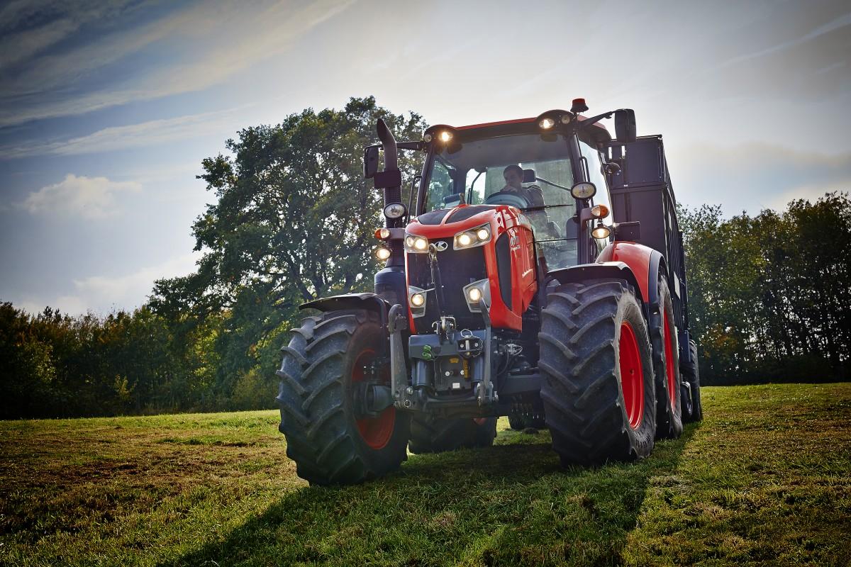 Agricultural Tractors M7131 Standard - KUBOTA
