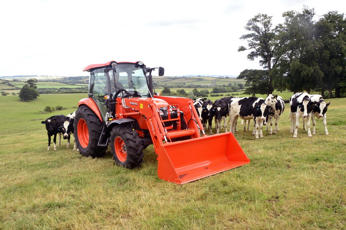 Agricultural Tractors M7060 - KUBOTA